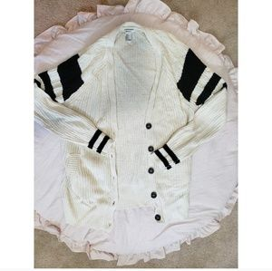 Forever 21 oversized cardigan in size small